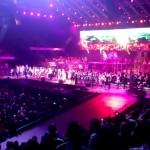 НАСТРЪХВАМЕ! 70 000 пеят химна на България! Уникално!