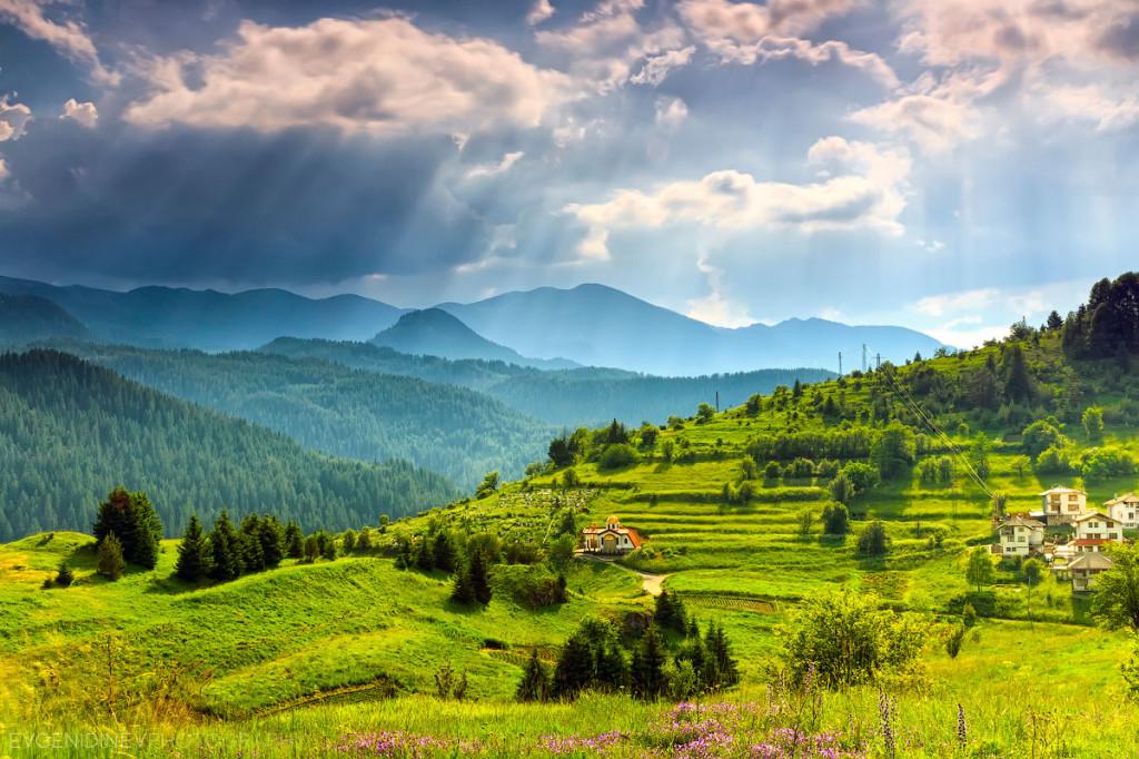 ЩЕ ВИ СПРЕ ДЪХА! Красотата на България, погледнато отгоре! (ВИДЕО)