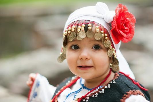 """ВЪЗДЕЙСТВАЩО! Малки деца пеят """"Върви, народе възродени…"""" по случай 24 май! (ВИДЕО)"""