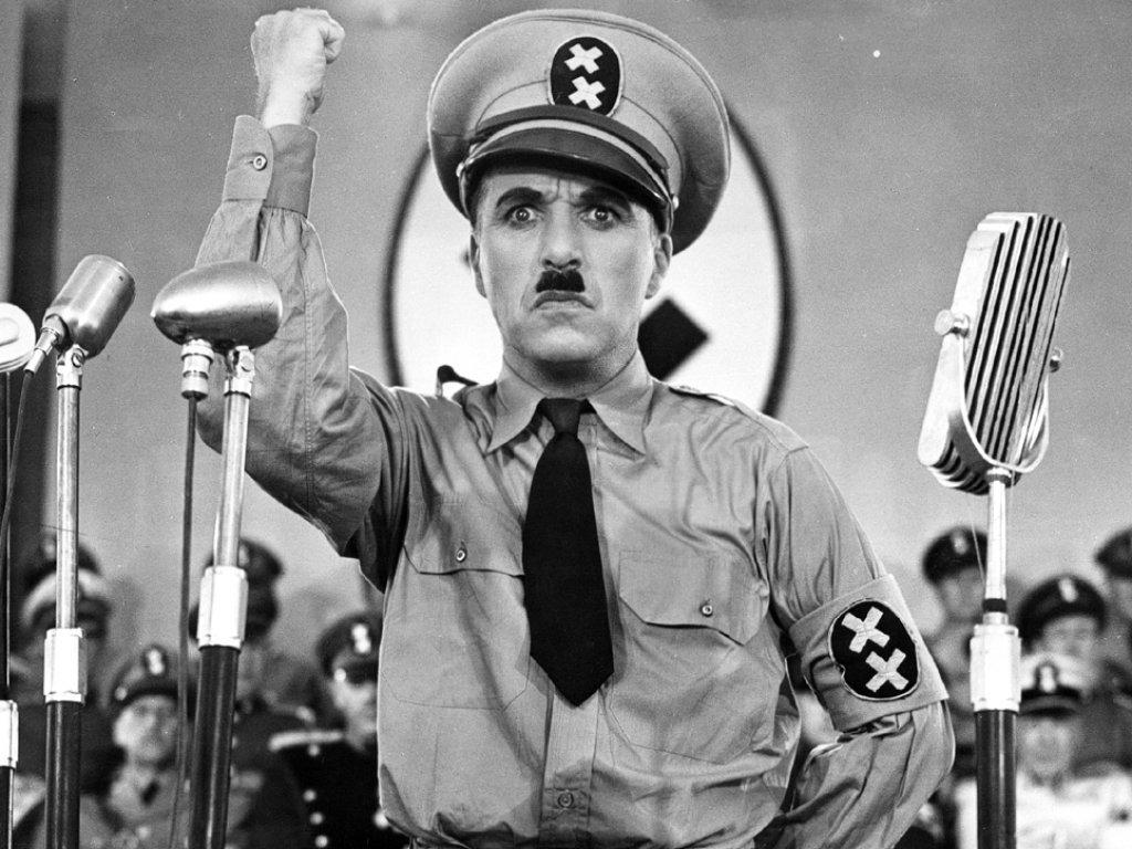 """Струва си да се види! Незабравимата реч на Чарли Чаплин от филма """"Великият диктатор"""" (ВИДЕО)"""