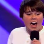 16-годишно момче излиза на сцената, за да пее песен на Майкъл Джексън… ВИЖТЕ как го прави! (ВИДЕО)