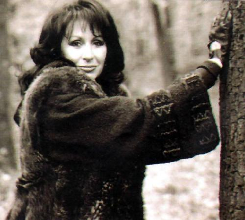 """СПОМЕН за едно ДРУГО ВРЕМЕ! Младата Йорданка Христова и песента """"Песен моя, обич моя"""". Годината е 1968!"""