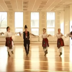 КРАСОТАТА на българското Еленино хоро! Тези хора определено го УМЕЯТ! (ВИДЕО)