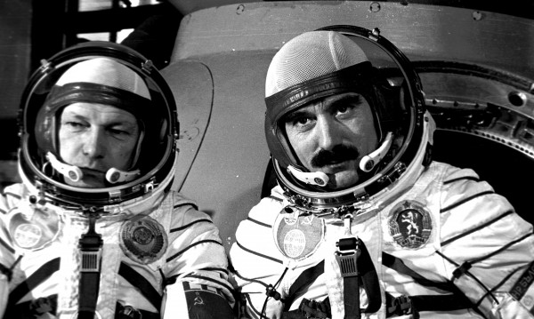 Да си спомним за Георги Иванов – ПЪРВИЯТ българин, летял в Космоса! (ВИДЕО)