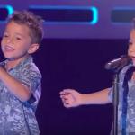 Тези две близначета ще стоплят СЪРЦЕТО ви! Вижте ги само в какъв синхрон пеят! (ВИДЕО)