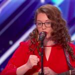 Тя е глуха, но това не ѝ пречи да пее ПРЕКРАСНО! Това момиче ще ви вдъхнови и удиви! (ВИДЕО)