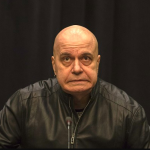 Слави отново изригна във Фейсбук и посочи враг №1 на държавата