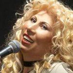 Нейният глас ни радва вече няколко десетилетия. Би било невъзможно да не си спомните тази ПРЕКРАСНА песен! (ВИДЕО)