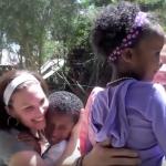 Тази двойка осиновява две малки дечица от Африка. Вижте вълнуващия момент, когато се виждат за първи път! (ВИДЕО)