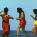 Тази песен е на почти 30 години и целият свят танцуваше на нея. Помните ли я? (ВИДЕО)