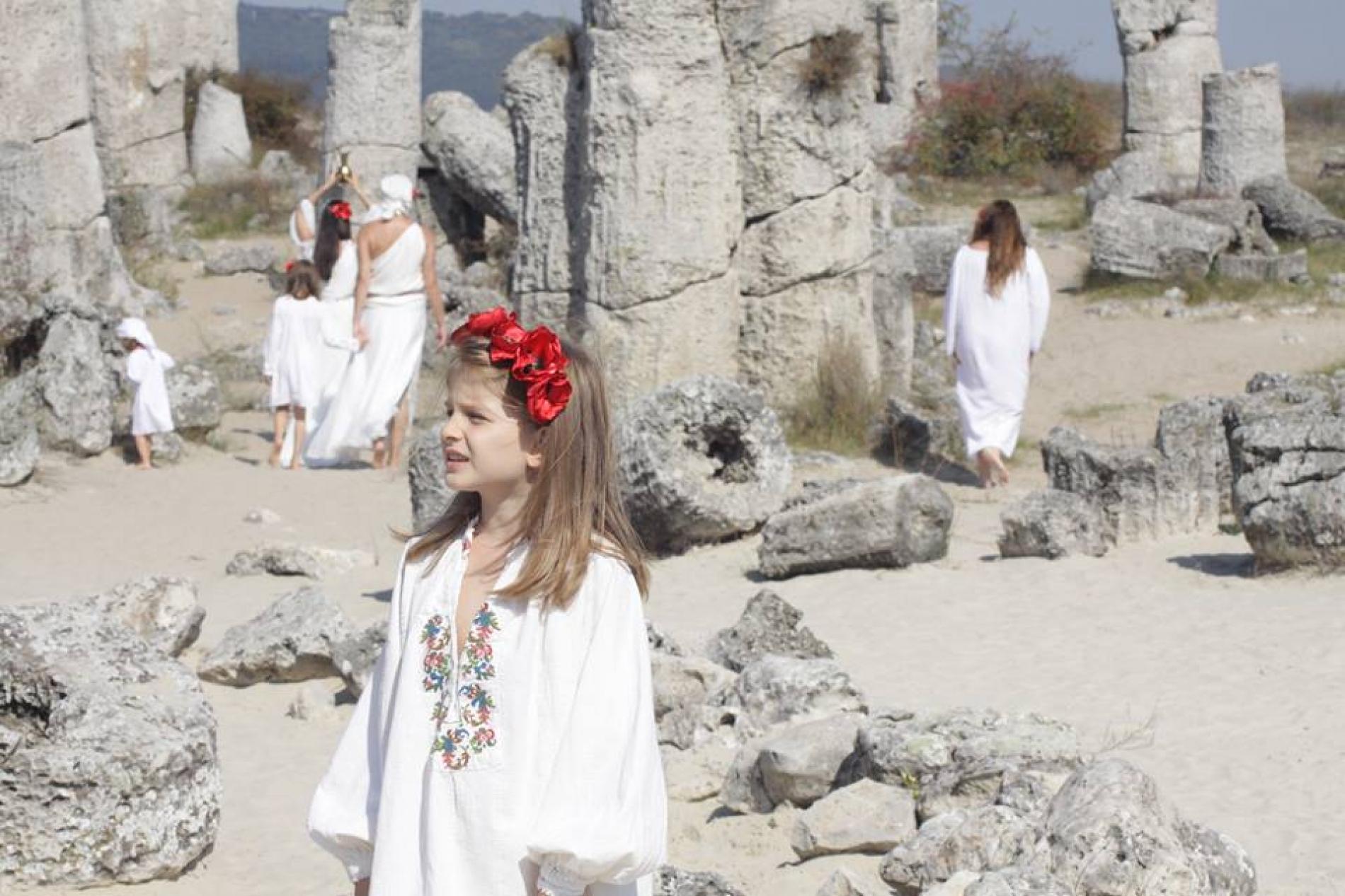 7-годишното момиченце, което ни разплака с тази патриотична песен (ВИДЕО)