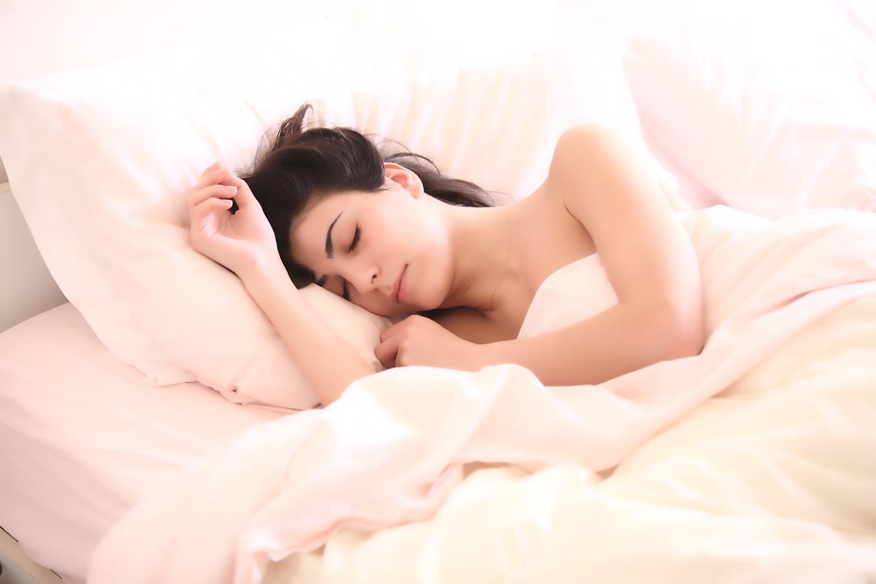 Жега е! Как да спим, ако ни е наистина много топло?