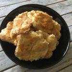 Лесно, бързо вкусно: уникални закуски със сирене (или извара)