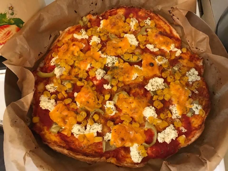 Най-бързата и лесна пица от стар хляб (РЕЦЕПТА)