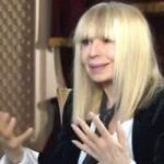 Лили Иванова в депресия, не яде и крие лицето си, преживяла е нещо ужасно…