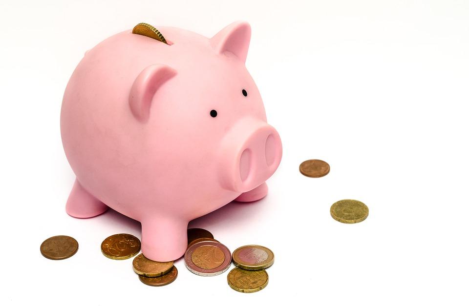 Как да спестяваме пари, ако живеем от заплата до заплата