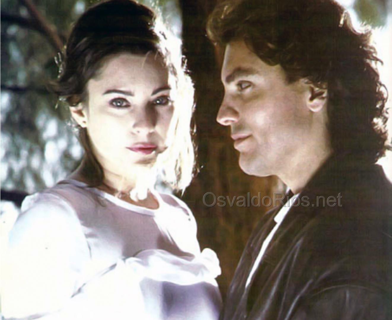 """Помните ли """"Вдовицата в бяло""""? Ето как изглеждат днес актьорите (СНИМКИ)"""