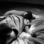 Защо учените съветват да спим на лявата си страна?