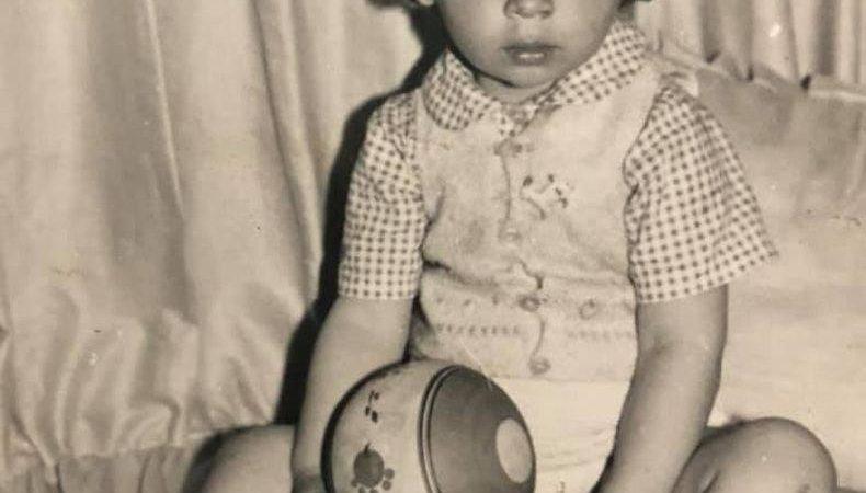 Можете ли да познаете кой е този български актьор като бебе?