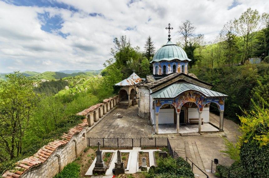Соколски манастир: едно вълшебно място, което да посетите