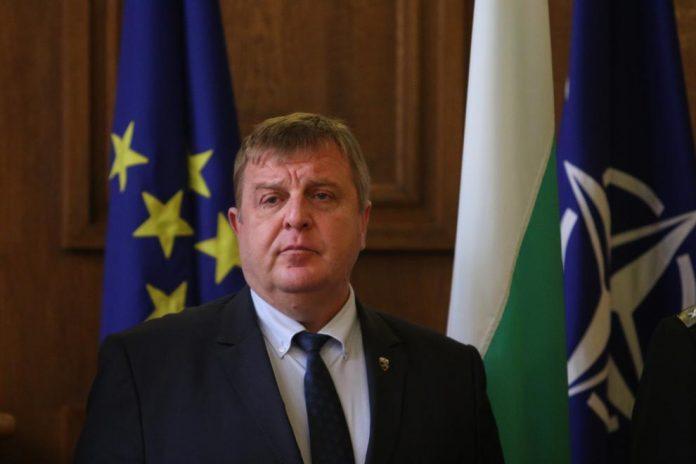 Ще има ли оставка на Кабинета? Ето отговора на Каракачанов