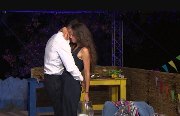 След еротичния танц – Петър и Даяна се озоваха заедно в леглото (СНИМКА)