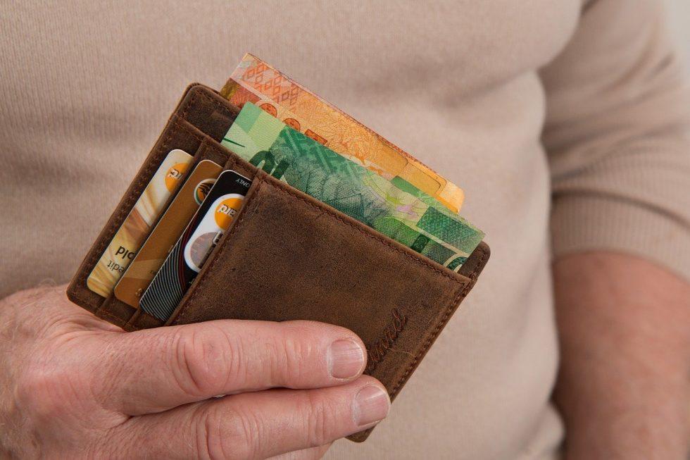 Тези пет предмета в портмонето привличат парите