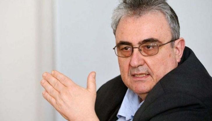 Огнян Минчев: От 90-те не е имало такава простотия в Парламента