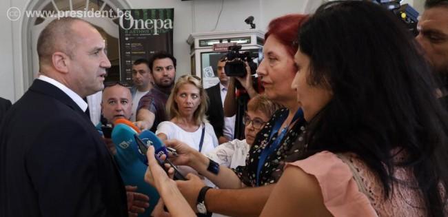Румен Радев: Отдавна няма значение какво казва Борисов